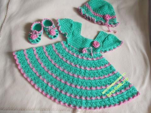 платье, пинетки и шапочка для девочки крючком фото