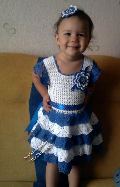 фото платья для девочки, связанного крючком