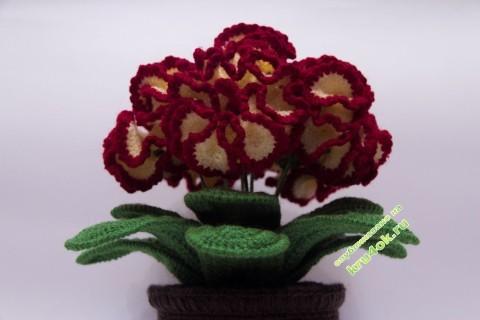 Вязаные крючком цветы в горшочке фото