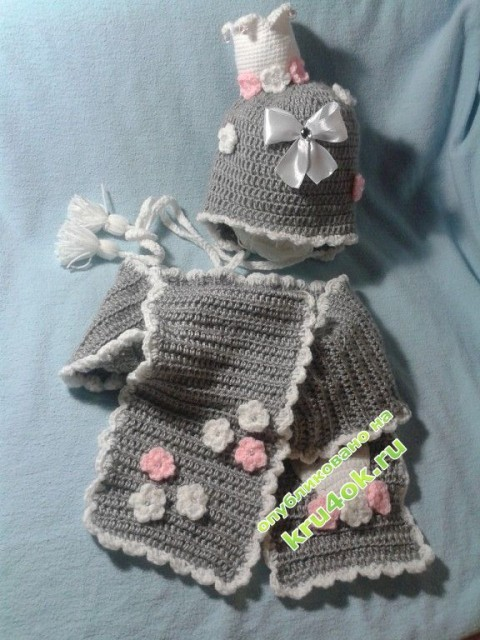 Комплект дял девочки: шапочка и шарф