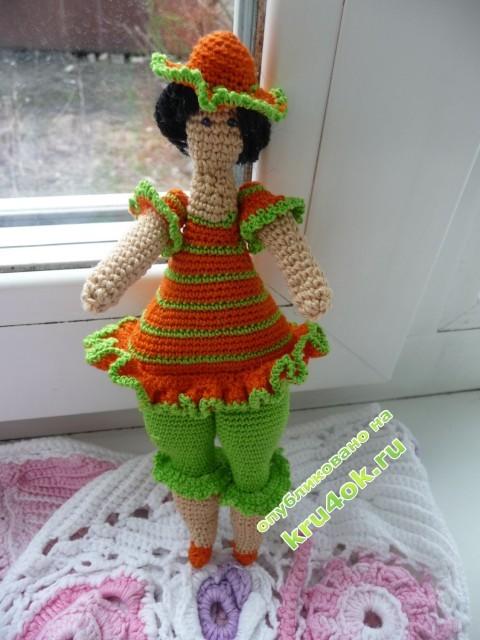 Вязаная крючком кукла Тильда