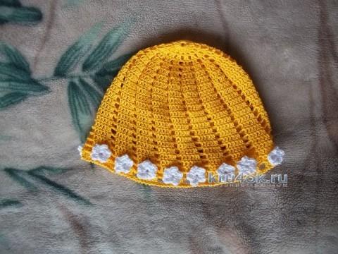 Вязаные крючком шапочки - работы Юлии