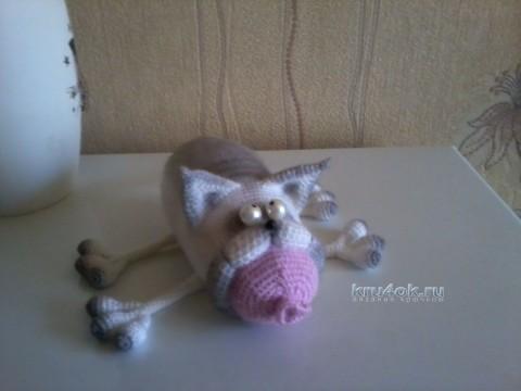 Вязаный крючком кот - работа Марины