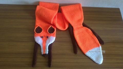 Вязаный крючком шарф - лисичка