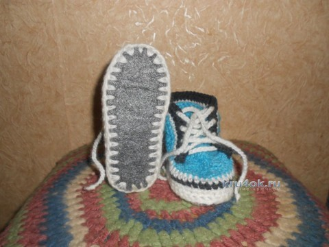 Вязаные крючком тапочки - работы Анны