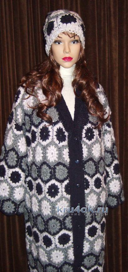 Вязаное крючком пальто из мотивов - работа Марии Казановой