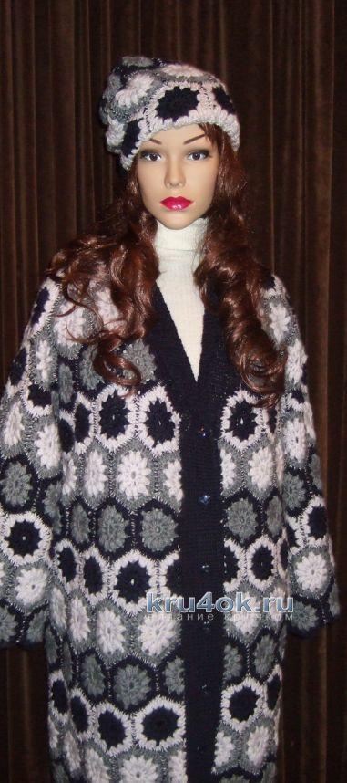 Вязаное пальто крючком из мотивов - работа Марии Казановой
