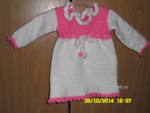 Вязаное платье - работа Насти