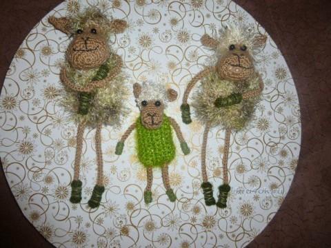 Вязаная овечка - символ 2015 года