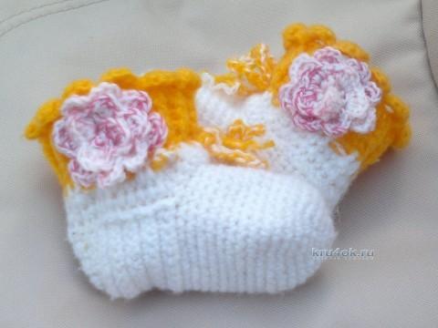 Вязаные крючком носочки - работа Лилии