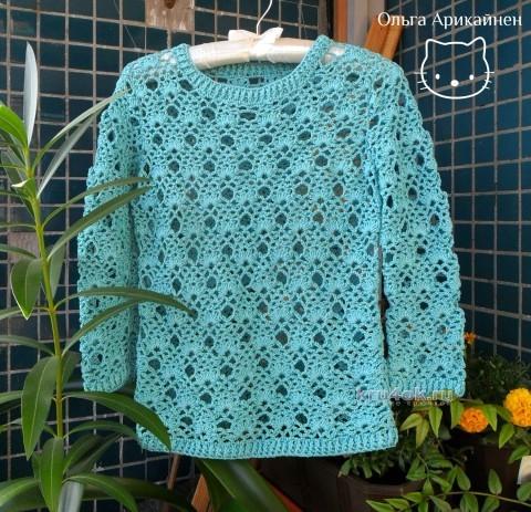 Вязаный крючком пуловер ажурный