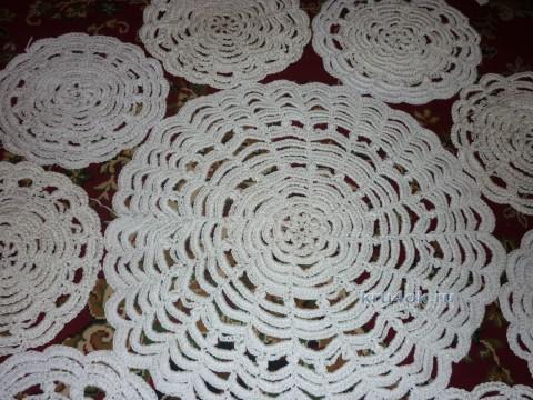 Салфетки - ковры крючком из полиэфирного шнура