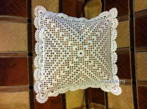Подушка Снежинка - работа Надежды