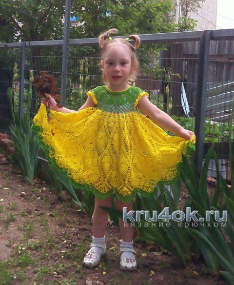 Платье связанное крючком для девочки. Работа Ирины