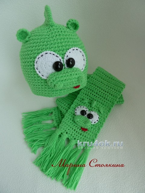Комплект для мальчика Динозаврик - работа Марины Стоякиной вязание и схемы вязания