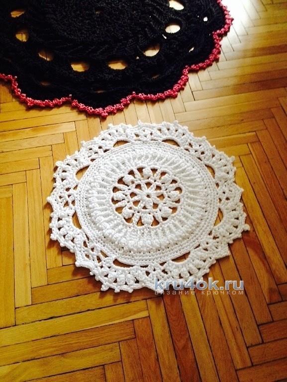Вязаные напольные ковры.