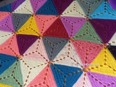 Плед из треугольных мотивов крючком от Светланы Шевченко