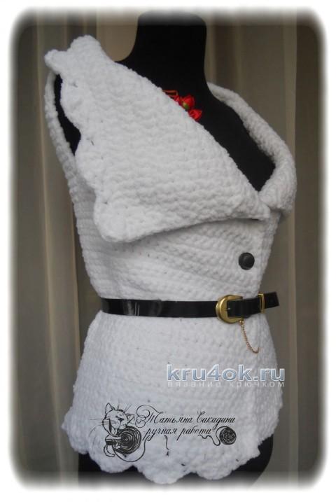 Вязаный крючком жилет. Работа Татьяны Сакадиной вязание и схемы вязания