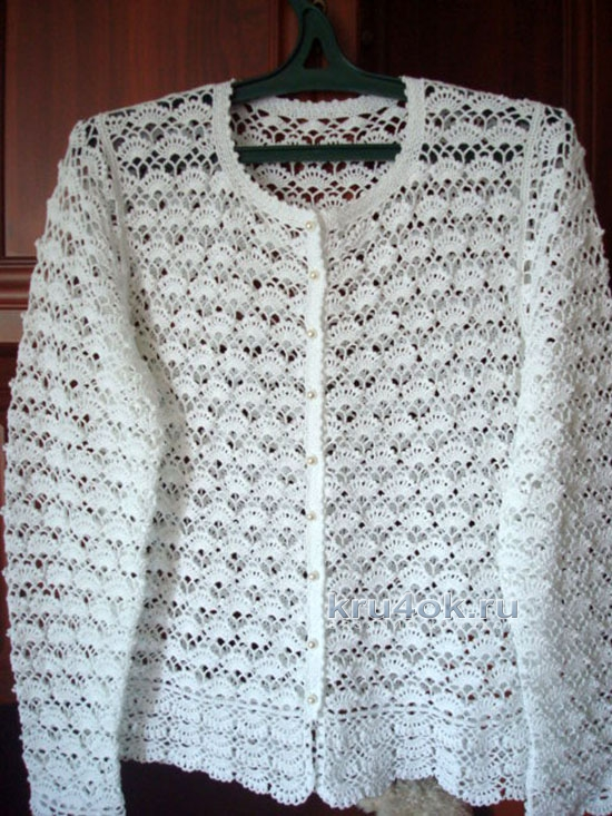 Вязание спицами для женщин с кокеткой 745