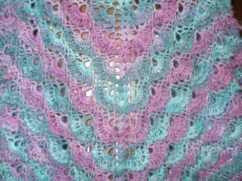 Шаль связанная крючком. Работа Елены вязание и схемы вязания