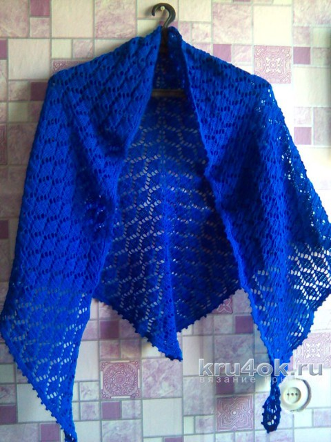 Синяя шаль крючком. Работа Виктории вязание и схемы вязания