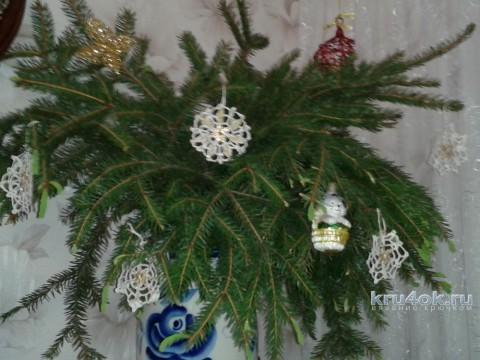 Вязаные крючком снежинки. Работа Фланденой Татьяны вязание и схемы вязания