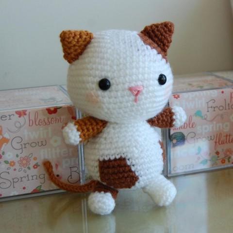 фото вязаного крючком кота