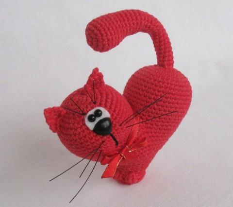 Как связать крючком кота — сердечко