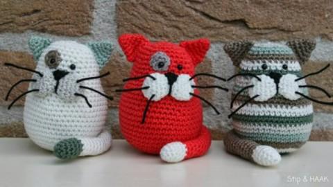 фото вязаных крючком котов