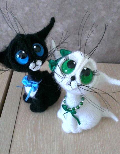 Вяжем крючком кота с большими глазами