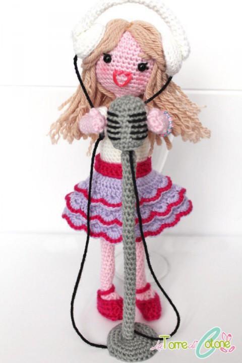 фото куклы крючком