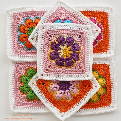 бабушкин квадрат с цветком