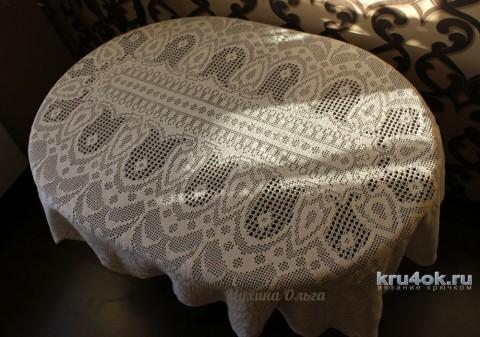 Овальная скатерть в филейной технике, работа Мухиной Ольги