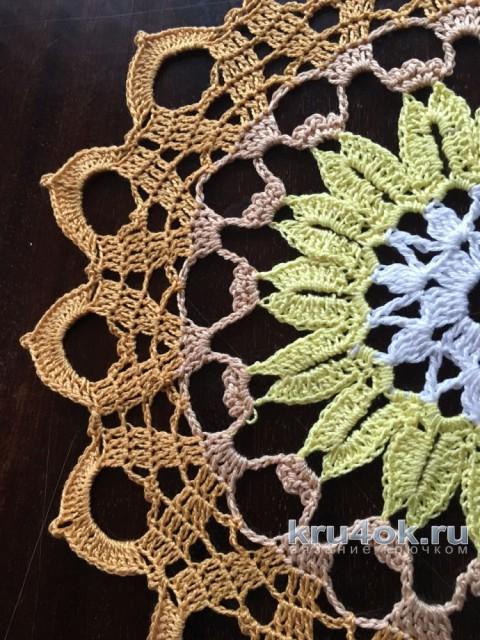 Салфетка крючком Осень. Работа Надежды Борисовой вязание и схемы вязания