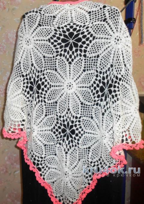 Женская шаль крючком. Работа Раушании Уметбаевой вязание и схемы вязания