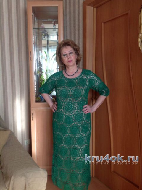 Женское платье крючком. Работа Марии Григорьевой вязание и схемы вязания