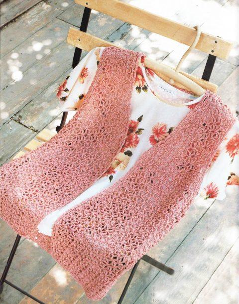 фото розового ажурного жилета