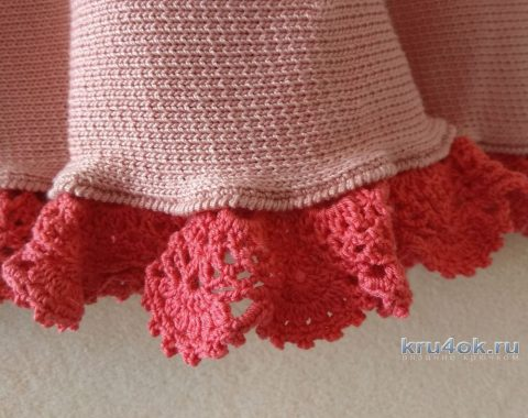 Вязаное платье для девочки. Работа Александры Карвелис вязание и схемы вязания