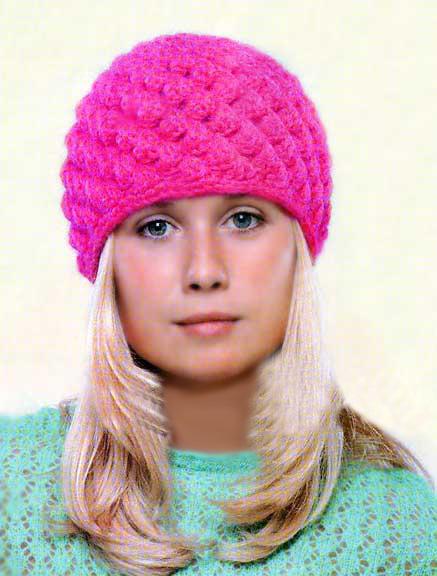 Объемная женская шапочка крючком