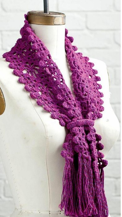 фото вязаного крючком ажурного шарфа