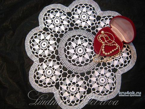 Красивая скатерть крючком. Работа Людмилы Петровой вязание и схемы вязания