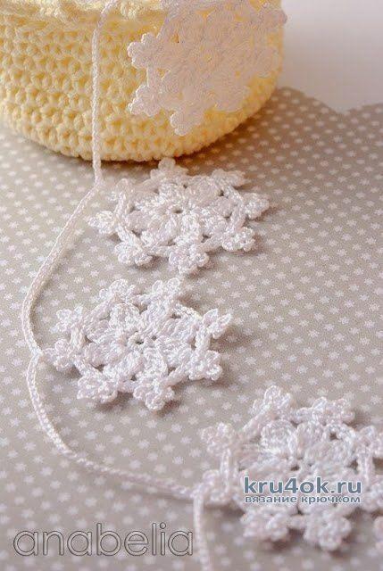 Вязаные Новогодние елочки для подарков и снежинки. Работы Alise Crochet вязание и схемы вязания
