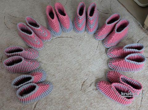Вязанные крючком носки - тапочки. Работы Светланы