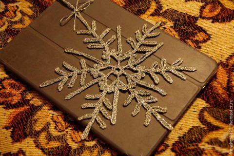 Мастер - класс снежинка крючком из блестящих ниток