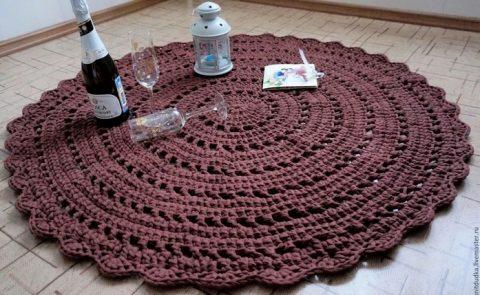 Мастер - класс по вязанию коврика из трикотажной пряжи