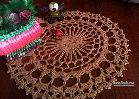 Вязанная крючком салфетка. Работа Натальи Енник вязание и схемы вязания