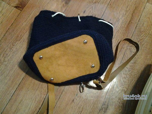 456049900656 Рюкзак крючком с кожаными вставками. Работа Аксиньи Григ
