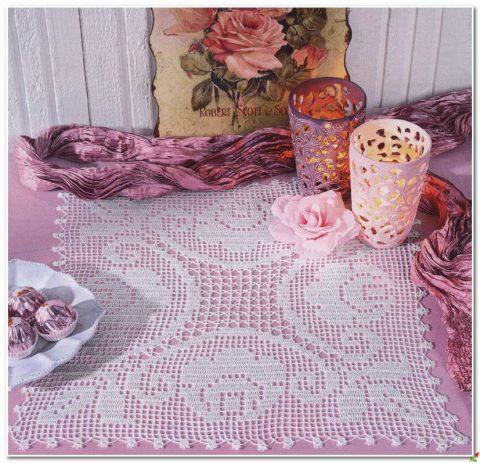 Квадратная салфетка с розами
