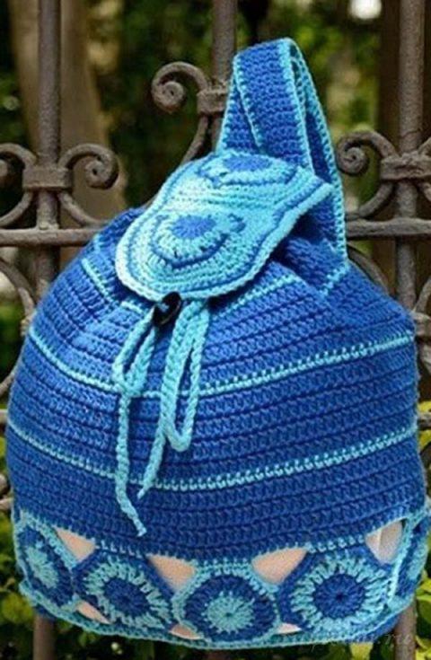 Синий рюкзачок связанный крючком