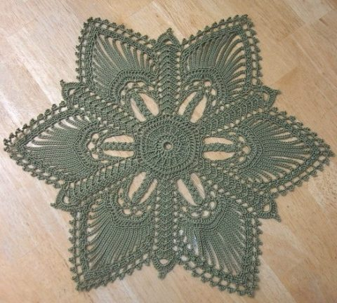 Красивая зеленая салфетка Valerie от Патриции Кристоферсон